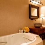 LML-Buchanan-Suite-Bath
